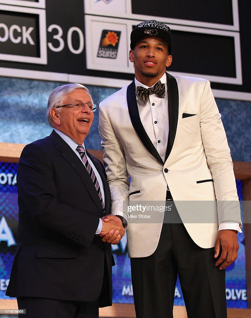 Andre Roberson (R) of France poses for a photo with NBA Commissioner David Stern after Roberson was drafted #26 overall in the first round by the Minnesota Timberwolves during the 2013 NBA Draft at Barclays Center on June 27, 2013 in in the Brooklyn Bourough of New York City.