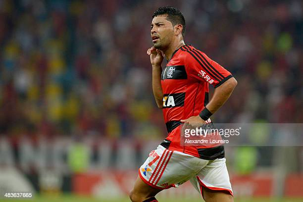 Andre Santos of Flamengo celebrates a scored goal during a match between Flamengo and Leon as part of Copa Bridgestone Libertadores 2014 at Maracana...