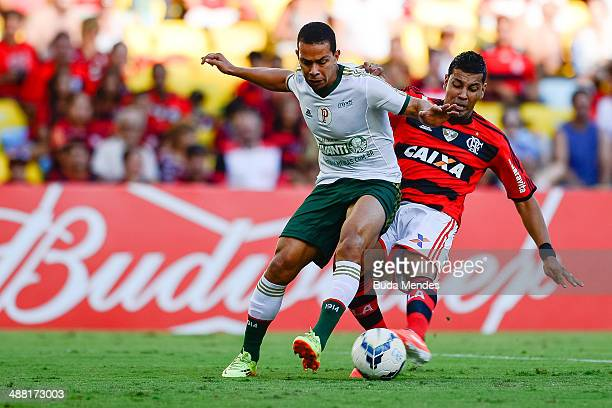 Andre Santos of Flamengo struggles for the ball with Wendel of Palmeiras during a match between Flamengo and Palmeiras as part of Brasileirao Series...