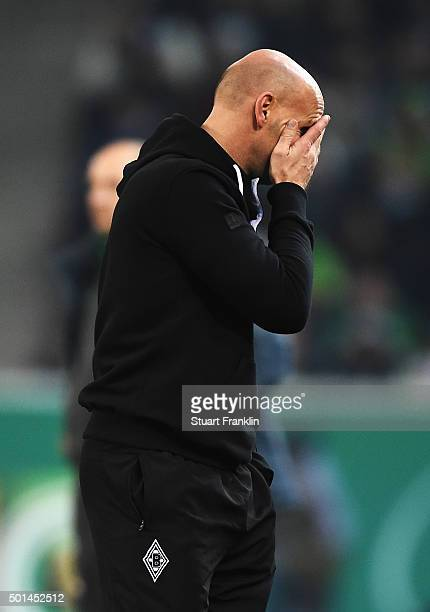 Andre Schubert head coach of Gladbach reacts during the DFB Pokal match between Borussia Moenchengladbach and Werder Bremen at BorussiaPark on...