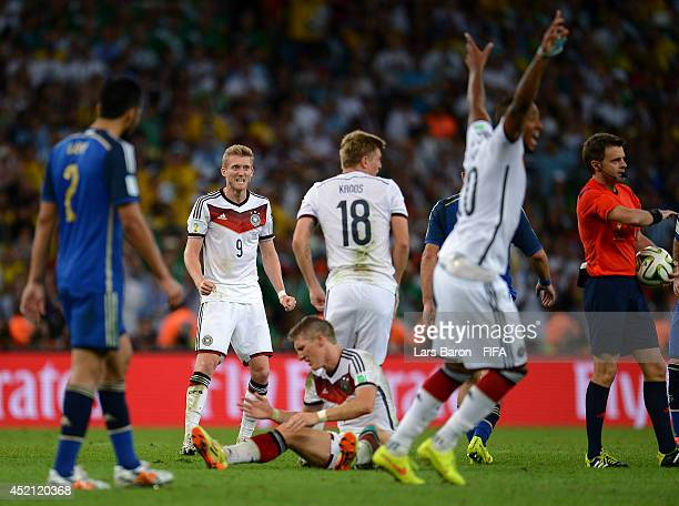 Andre Schuerrle and players of Germany celebrate after the 10 win in the 2014 FIFA World Cup Brazil Final match between Germany and Argentina at...