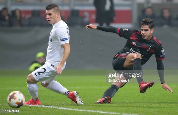 Andre Silva of AC Milan scores his second goal during the UEFA Europa League group D match between AC Milan and Austria Wien at Stadio Giuseppe...