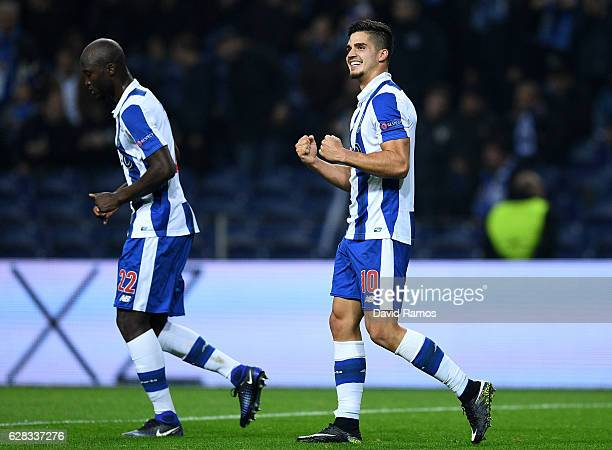 Andre Silva of FC Porto celebrates scoring his sides fourth goal during the UEFA Champions League Group G match between FC Porto and Leicester City...