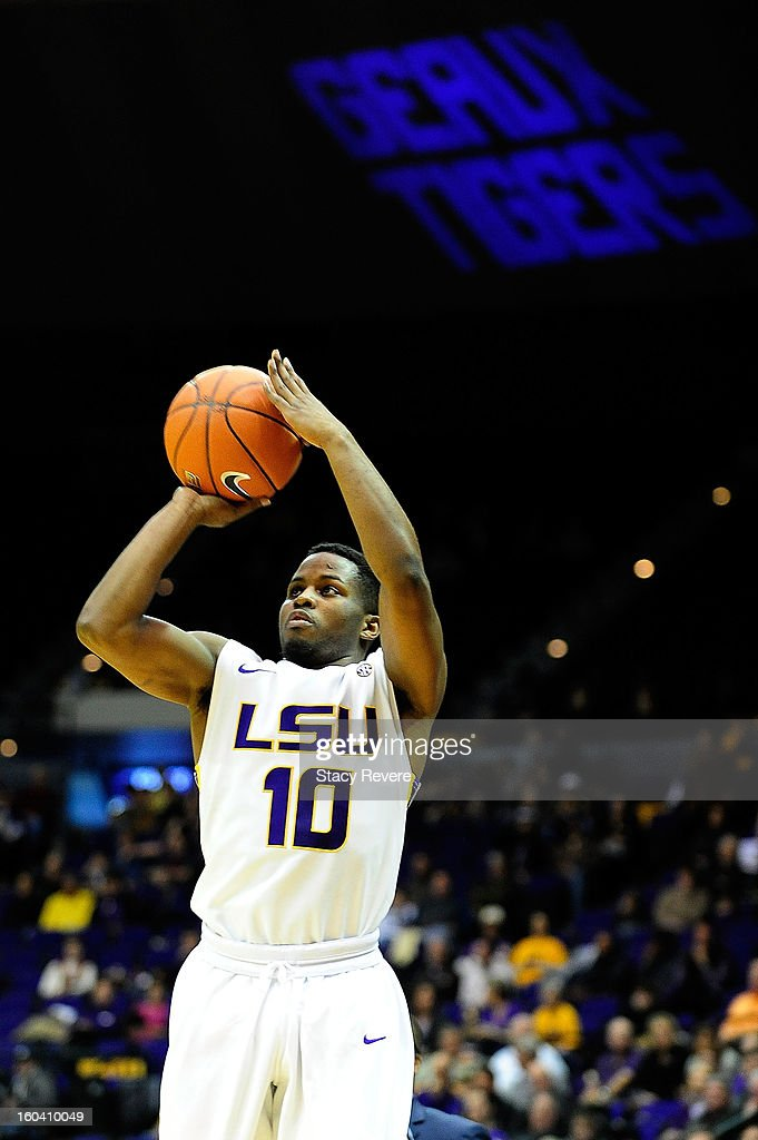 Andre Stringer #10 of the LSU Tigers takes an open shot against the Missouri Tigers during a game at the Pete Maravich Assembly Center on January 30, 2013 in Baton Rouge, Louisiana. LSU won the game 73-70.