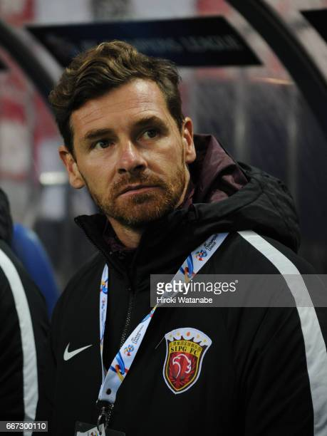 Andre VillasBoas coach of Shenchao of Shanghai SIPG FC looks on prior to the AFC Champions League Group F match between Urawa Red Diamonds and...