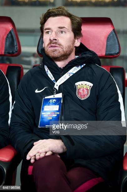 Andre VillasBoas head coach of Shanghai SIPG looks on during the AFC Champions League 2017 Group F match between Shanghai SIPG and Western Sydney...