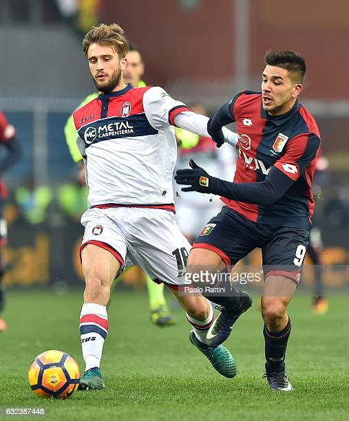 Andrea Barberis of Crotone and Giovanni Pablo Simeone of Genoa in action during the Serie A match between Genoa CFC and FC Crotone at Stadio Luigi...