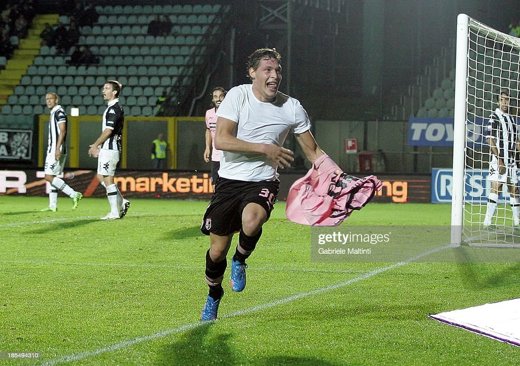 Andrea Belotti #30 of US Citta di Palermo celebrates after scoring a goal during the Serie B match between AC Siena and US Citta di Palermo at Artemio Franchi - Mps Arena on October 21, 2013 in Siena, Italy.
