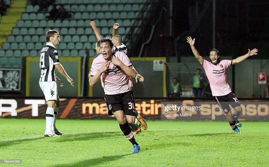Andrea Belotti #30 of US Citta di Palermo celebrates after scoring the winning goal during the Serie B match between AC Siena and US Citta di Palermo at Artemio Franchi - Mps Arena on October 21, 2013 in Siena, Italy.