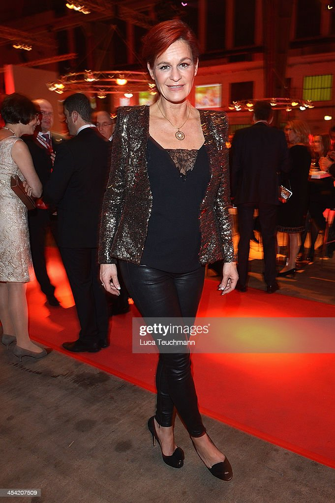 <a gi-track='captionPersonalityLinkClicked' href=/galleries/search?phrase=Andrea+Berg&family=editorial&specificpeople=2500874 ng-click='$event.stopPropagation()'>Andrea Berg</a> attends the Ein Herz Fuer Kinder Gala 2013 at Flughafen Tempelhof on December 7, 2013 in Berlin, Germany.
