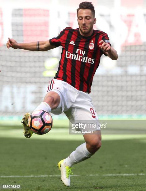Andrea Bertolacci of AC Milan in action during the Serie A match between AC Milan and Bologna FC at Stadio Giuseppe Meazza on May 21 2017 in Milan...