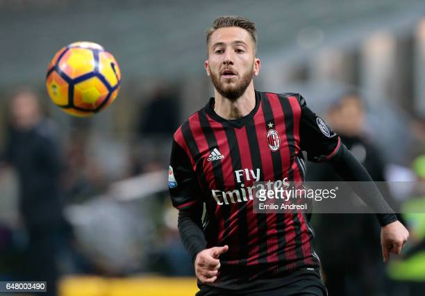Andrea Bertolacci of AC Milan looks the ball during the Serie A match between AC Milan and AC ChievoVerona at Stadio Giuseppe Meazza on March 4 2017...