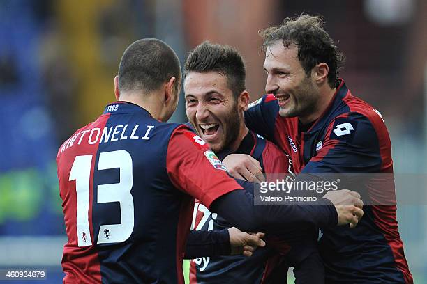 Andrea Bertolacci of Genoa CFC celebrates his goal with teammates during the Serie A match between Genoa CFC and US Sassuolo Calcio at Stadio Luigi...