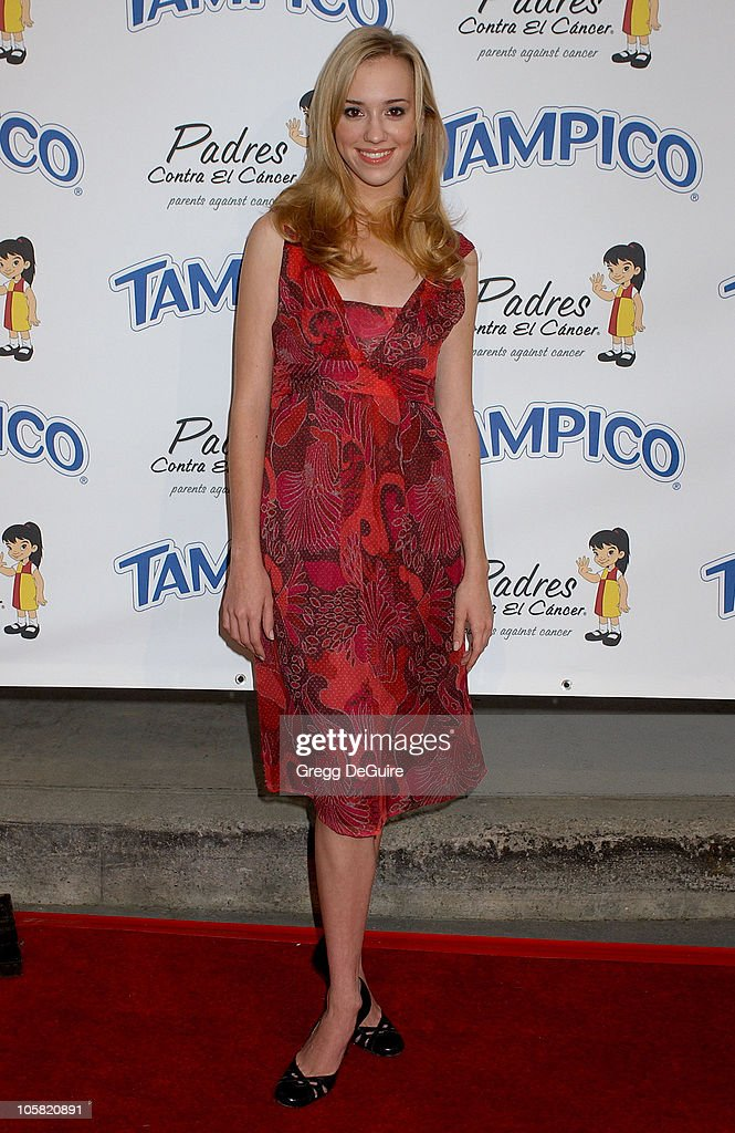 Andrea Bowen during Padres Contra El Cancer National Spokesperson Eva Longoria Hosts The Tampico Beverages El Sueno De Esperanza Gala - Arrivals at Universal Studios in Universal City, California, United States.