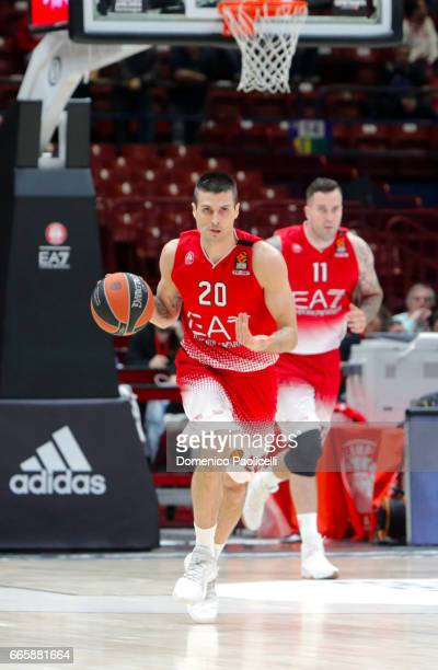 Andrea Cinciarini #20 of EA7 Emporio Armani Milan in action during the 2016/2017 Turkish Airlines EuroLeague Regular Season Round 30 game between EA7...