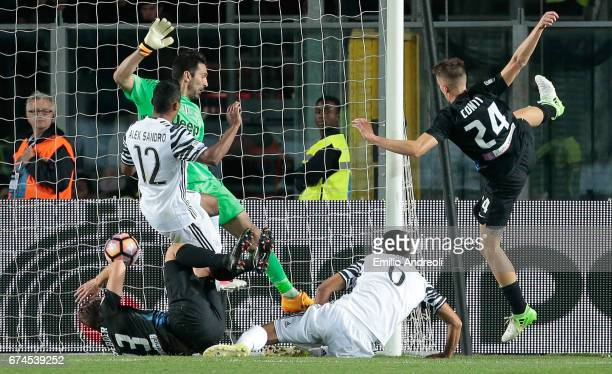 Andrea Conti of Atalanta BC scores the opening goal during the Serie A match between Atalanta BC and Juventus FC at Stadio Atleti Azzurri d'Italia on...