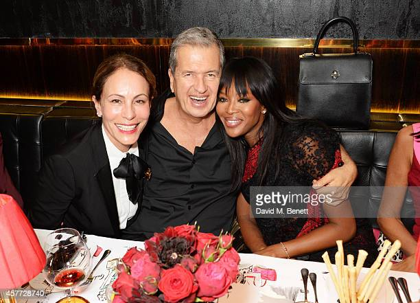 Andrea Dellal Mario Testino and Naomi Campbell attend the Charlotte Olympia 'Handbags for the Leading Lady' launch dinner at Toto's Restaurant on...