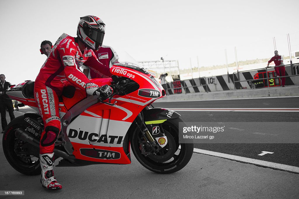 Andrea Dovizioso of Italy and Ducati Marlboro Team starts from box during the MotoGP Tests in Valencia - Day 2 at Ricardo Tormo Circuit on November 12, 2013 in Valencia, Spain.