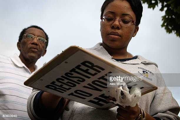 Andrea Glover of Franconia Virginia signs up to volunteer for the Obama Campaign at a weekly farmers market at Kingstowne Town Center August 29 2008...