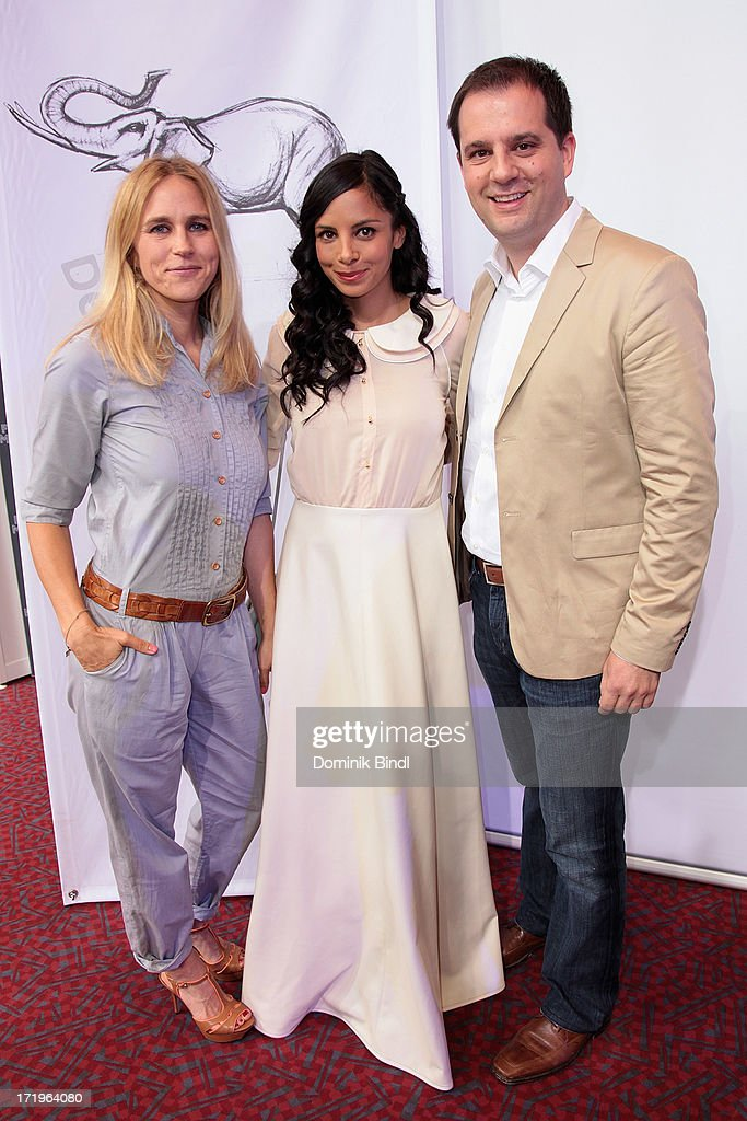Andrea Guenther, Collien Ulmen Fernandes and Hannes Heyelmann attends the award event 'Kinder-Medien-Preis 2013 at Gasteig on June 30, 2013 in Munich, Germany.Cartoon Network's local production 'Cartoon Network Spurensuche - Schnitzeljagd war gestern' with host Collien Ulmen-Fernandes was awarded at the event.