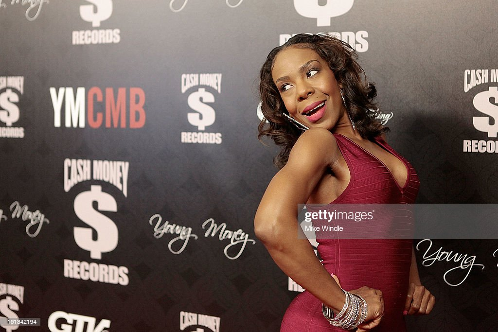 Andrea Kelly arrives at the Cash Money Records 4th annual pre-GRAMMY Awards party on February 9, 2013 in West Hollywood, California.