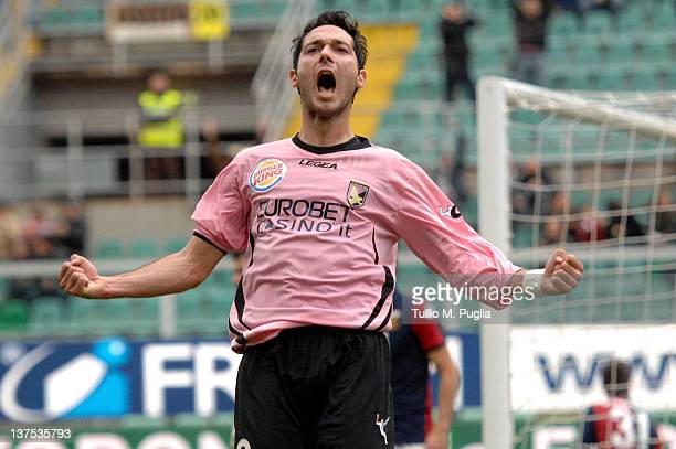 Andrea Mantovani of Palermo celebrates after scoring his Palermo's third goal during the Serie A match between US Citta di Palermo and Genoa CFC at...