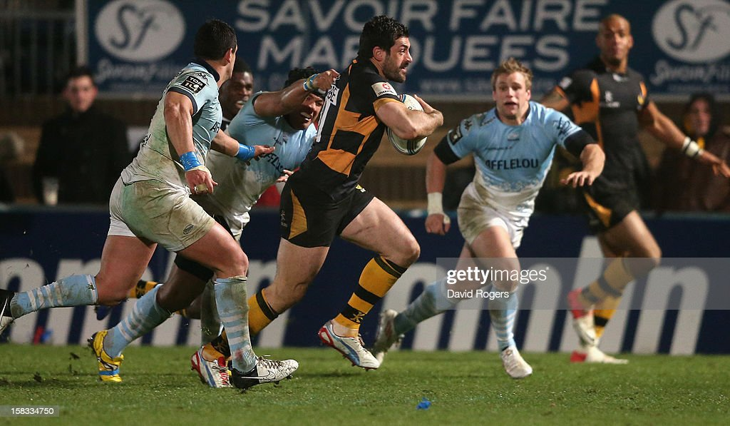 <a gi-track='captionPersonalityLinkClicked' href=/galleries/search?phrase=Andrea+Masi&family=editorial&specificpeople=572361 ng-click='$event.stopPropagation()'>Andrea Masi</a> of Wasps breaks clear to score a try during the Amlin Challenge Cup match between London Wasps and Bayonne at Adams Park on December 13, 2012 in High Wycombe, England.