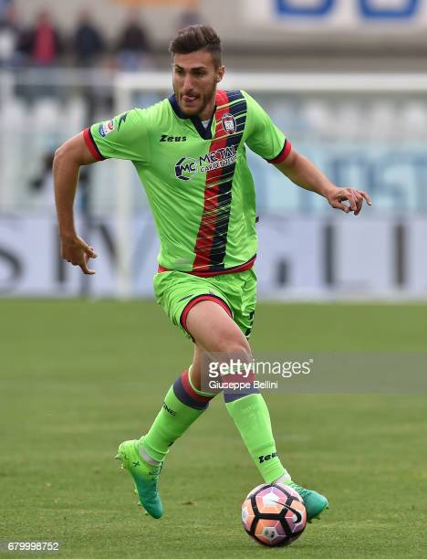 Andrea Nalini of FC Crotone in action during the Serie A match between Pescara Calcio and FC Crotone at Adriatico Stadium on May 7 2017 in Pescara...