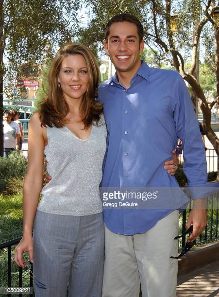 Andrea Parker and Zachary Levi of 'Less Than Perfect'