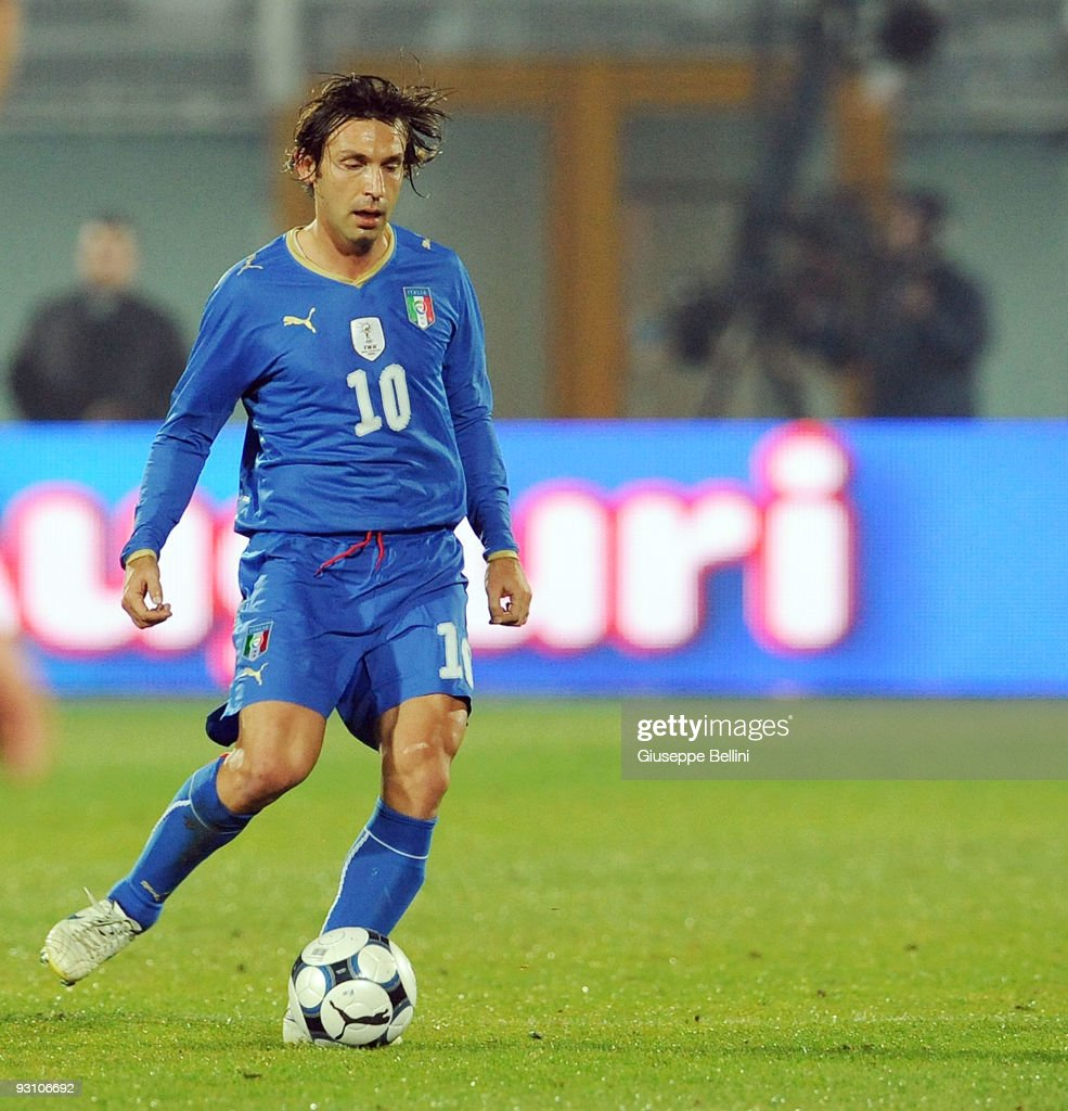 Andrea Pirlo of Italy in action during the International Friendly Match between Italy and Holland at Adriatico Stadium on November 14, 2009 in Pescara, Italy.