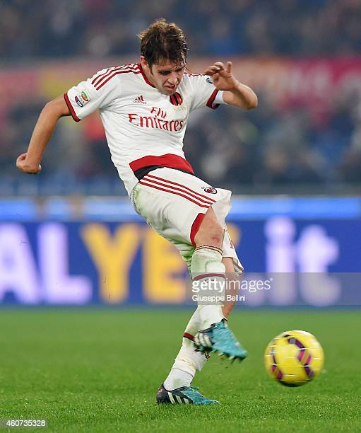 Andrea Poli of AC Milan in action during the Serie A match betweeen AS Roma and AC Milan at Stadio Olimpico on December 20 2014 in Rome Italy
