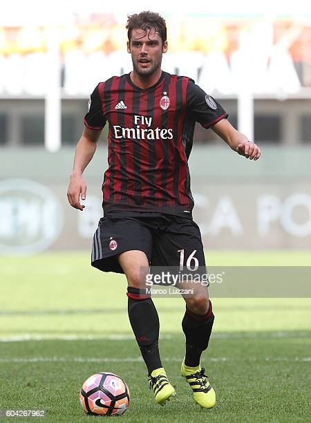 Andrea Poli of AC Milan in action during the Serie A match between AC Milan and Udinese Calcio at Stadio Giuseppe Meazza on September 11 2016 in...