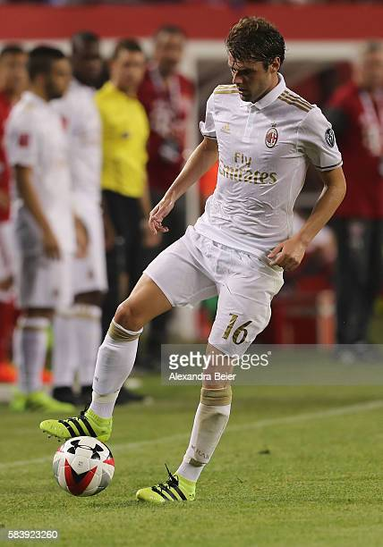 Andrea Poli of AC Milan kicks the ball during the International Champions Cup between FC Bayern Muenchen and AC Milan of AUDI Summer Tour USA 2016 at...