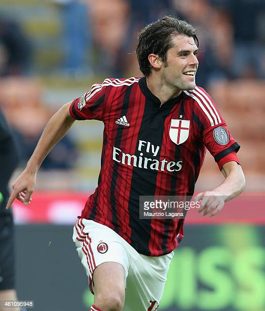 Andrea Poli of Milan celebrates the opening goal during the Serie A match between AC Milan and US Sassuolo Calcio at Stadio Giuseppe Meazza on...