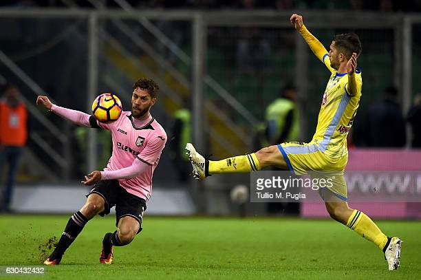 Andrea Rispoli of Palermo in action as Gianluca Caprari of Pescara tackles during the Serie A match between US Citta di Palermo and Pescara Calcio at...