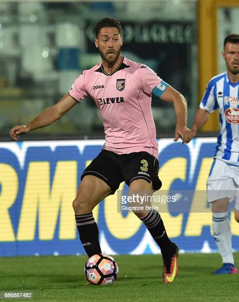 Andrea Rispoli of US Citta di Palermo in action during the Serie A match between Pescara Calcio and US Citta di Palermo at Adriatico Stadium on May...
