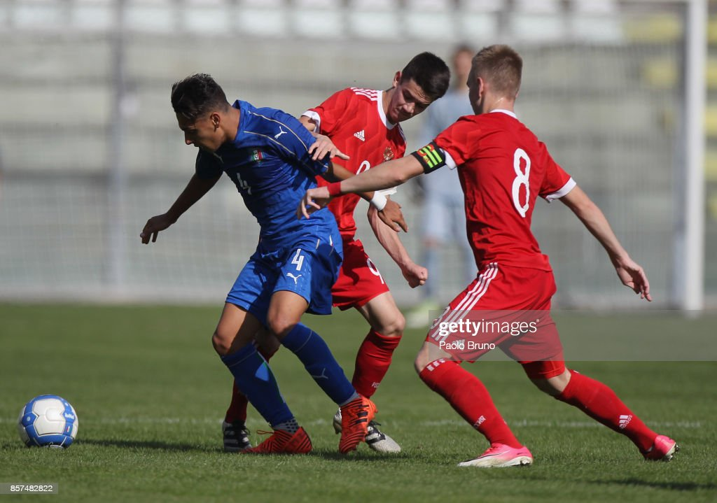 Andrea Rizzo Pinna of Italy U18 in action during the International Friendly match between Italy U18 and Russia U18 on October 4, 2017 in Castel di Sangro near Isernia, Italy.