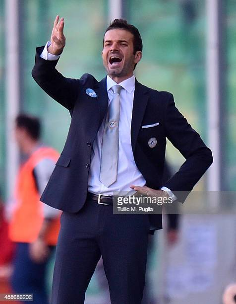 Andrea Stramaccioni coach of Udinese issues instructions during the Serie A match between US Citta di Palermo and Udinese Calcio at Stadio Renzo...