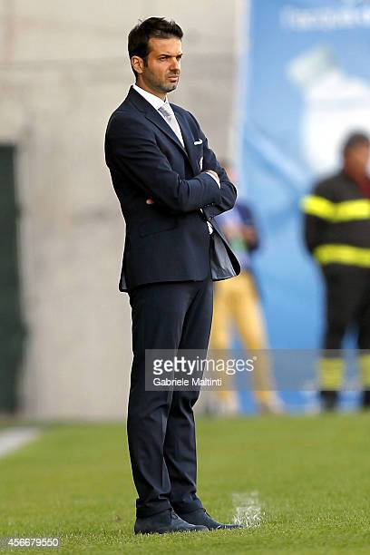 Andrea Stramaccioni head coach of Udinese Calcio looks during the Serie A match between Udinese Calcio and AC Cesena at Stadio Friuli on October 5...