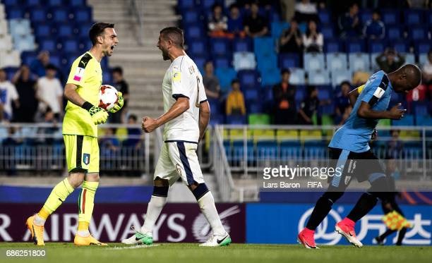 Andrea Zaccagno of Italy celebrates after saving a penalty by Diego de la Cruz of Uruguay during the FIFA U20 World Cup Korea Republic 2017 group D...