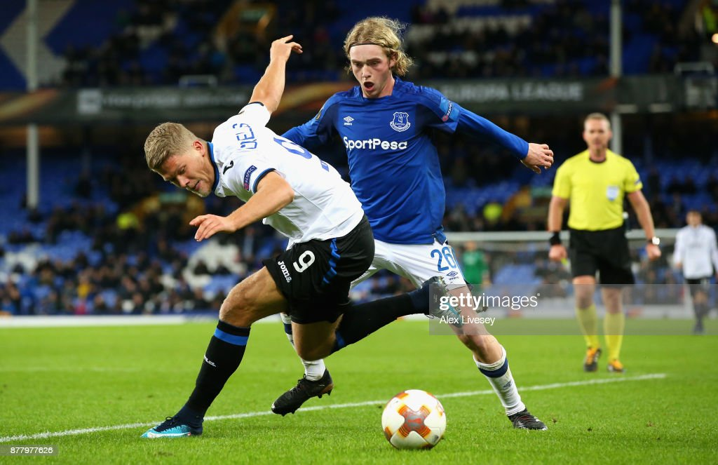 Andreas Cornelius of Atalanta and Tom Davies of Everton battle for possession during the UEFA Europa League group E match between Everton FC and Atalanta at Goodison Park on November 23, 2017 in Liverpool, United Kingdom.