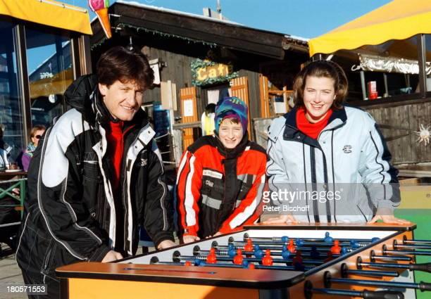 Andreas Fulterer Sohn Phillip Tochter Birgit Seis/Südtirol/Italien Tischfußball spielen Spaß