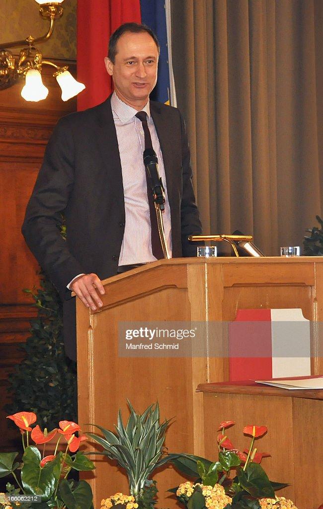Andreas Mailath-Pokorny speaks to the audience during the award ceremony of the 'Goldenes Ehrenzeichen fuer Verdienste um das Land Wien' given in the Rathaus Wien on April 8, 2013 in Vienna, Austria.
