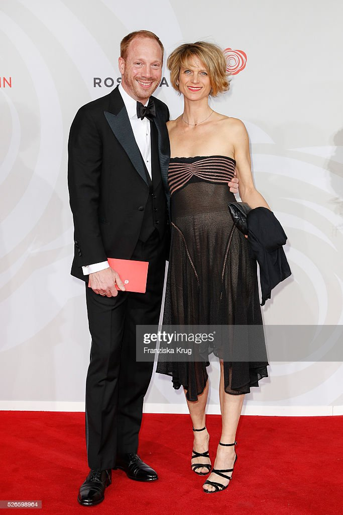 Andreas Pietschmann and Jasmin Tabatabai attend the Rosenball 2016 on April 30 in Berlin, Germany.