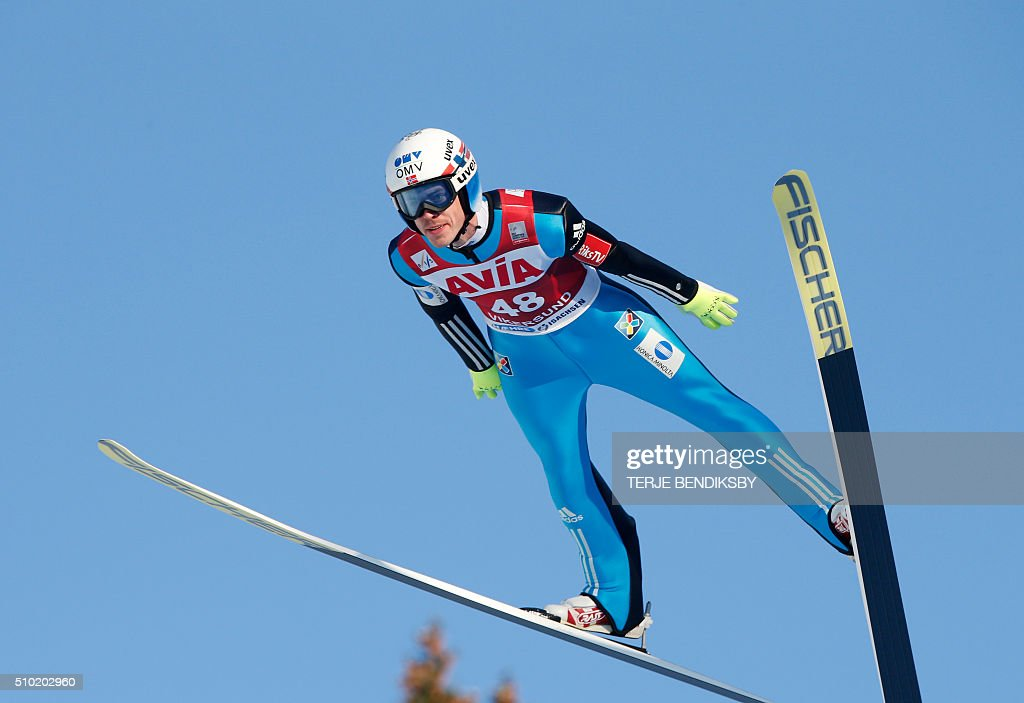 Andreas Stjernen from Norway soars through the air during the qalification in the FIS Ski Jumping World Cup Flying Hill competition in Vikersund, on February 14, 2016. / AFP / NTB Scanpix / Terje Bendiksby / Norway OUT