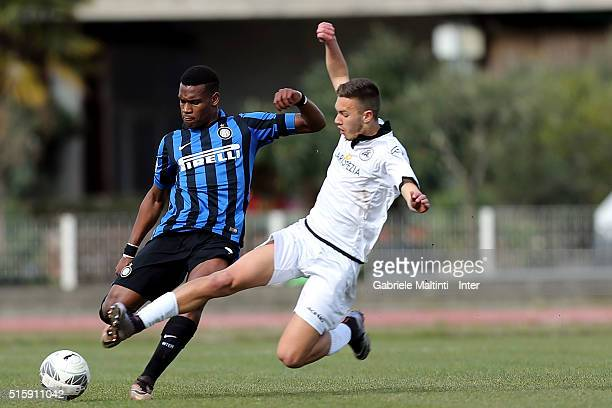 Andreau Rayan Gravillon of FC Internazionale in action during the Viareggio Juvenile Tournament match between FC Internazionale and AC Spezia on...