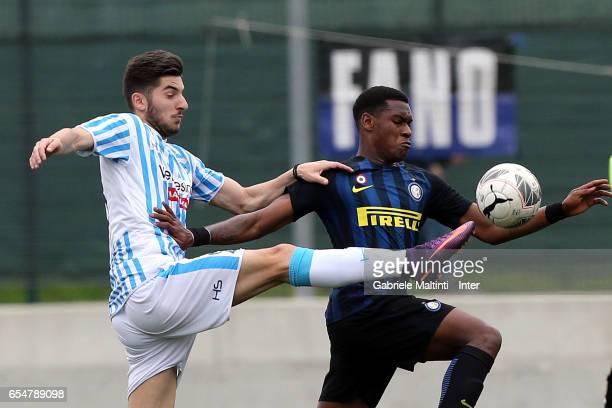 Andreaw Gravillon of FC Internazionale in action during the Viareggio juvenile tournament match between FC Internazionale and SPAL at Stadio Buon...