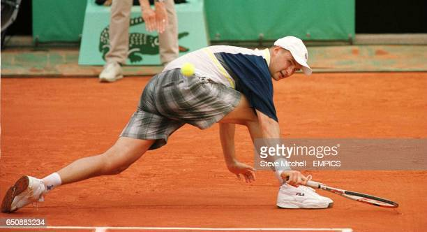 Andrei Medvedev at full stretch during his win over Agustin Calleri