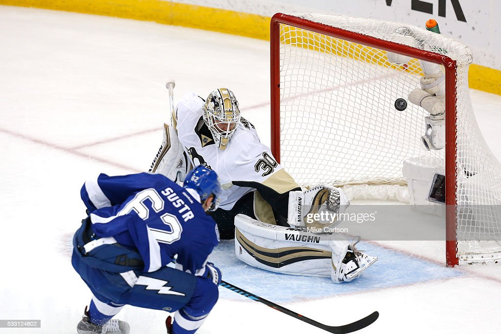 Lightning Strike Penguins to Even Series at 2 2 Photo Album