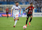 AndrePierre Gignac of Marseille and Jordan Amavi of Nice during the French Ligue 1 match between Olympique de Marseille and OGC Nice at Stade...